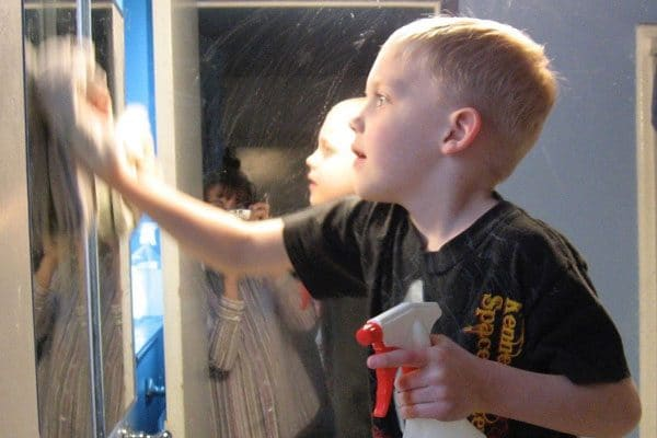 It's easy and inexpensive to make your own window or glass cleaner, without any of those nasty chemicals.