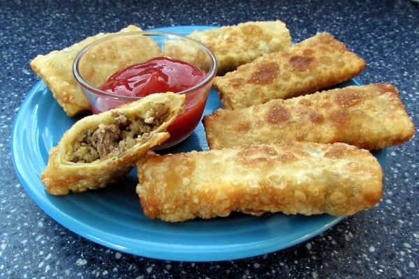 Savory Cheeseburger Egg Rolls: BrownThumbMama.com