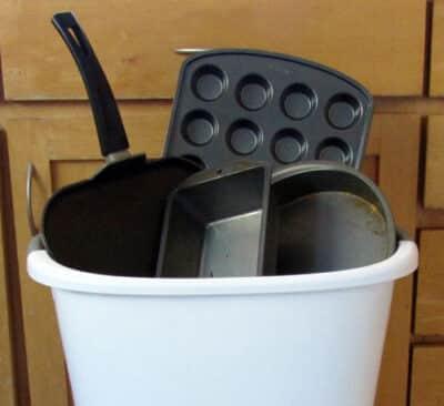 Why you need to trash your Teflon: BrownThumbMama.com