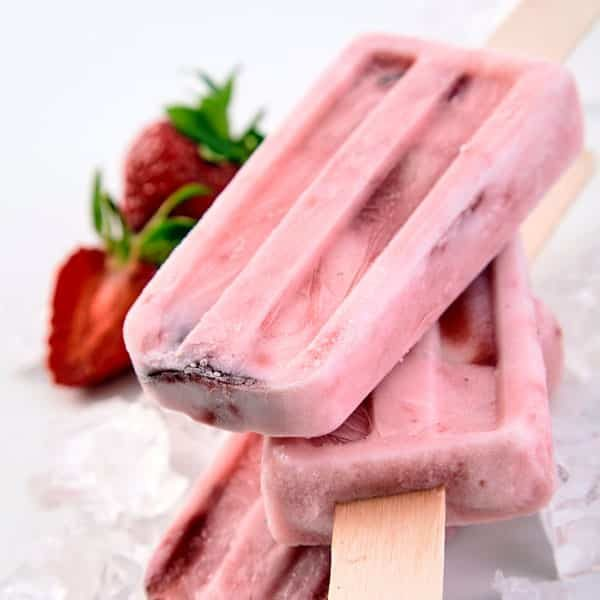 strawberry yogurt popsicles